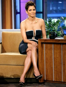 1363104126_halle-berry-zoom